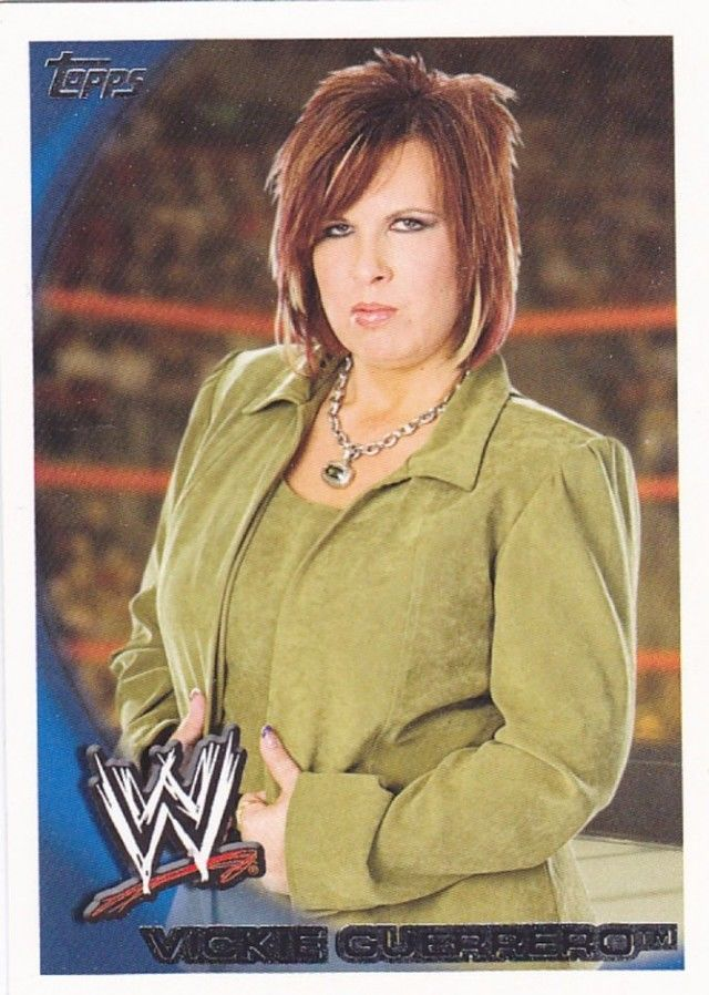 vickie guerrero 56 wwe topps 2010 wrestling trading card