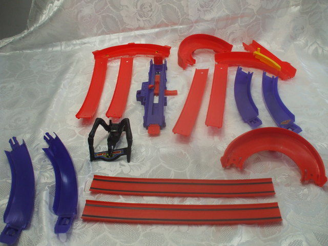 16 Vintage Mattel Redline Era Hot Wheels Pieces