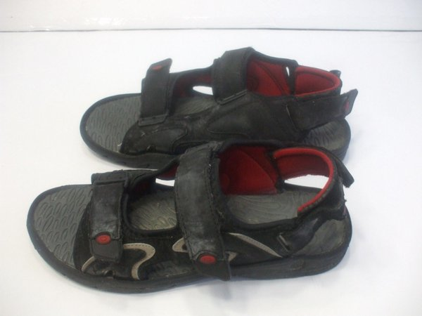 boys mens black sandals size 8 with 3 adjustable straps