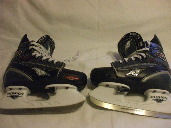 Boys Mission Adjustable Hockey Ice Skates Y10 Y13
